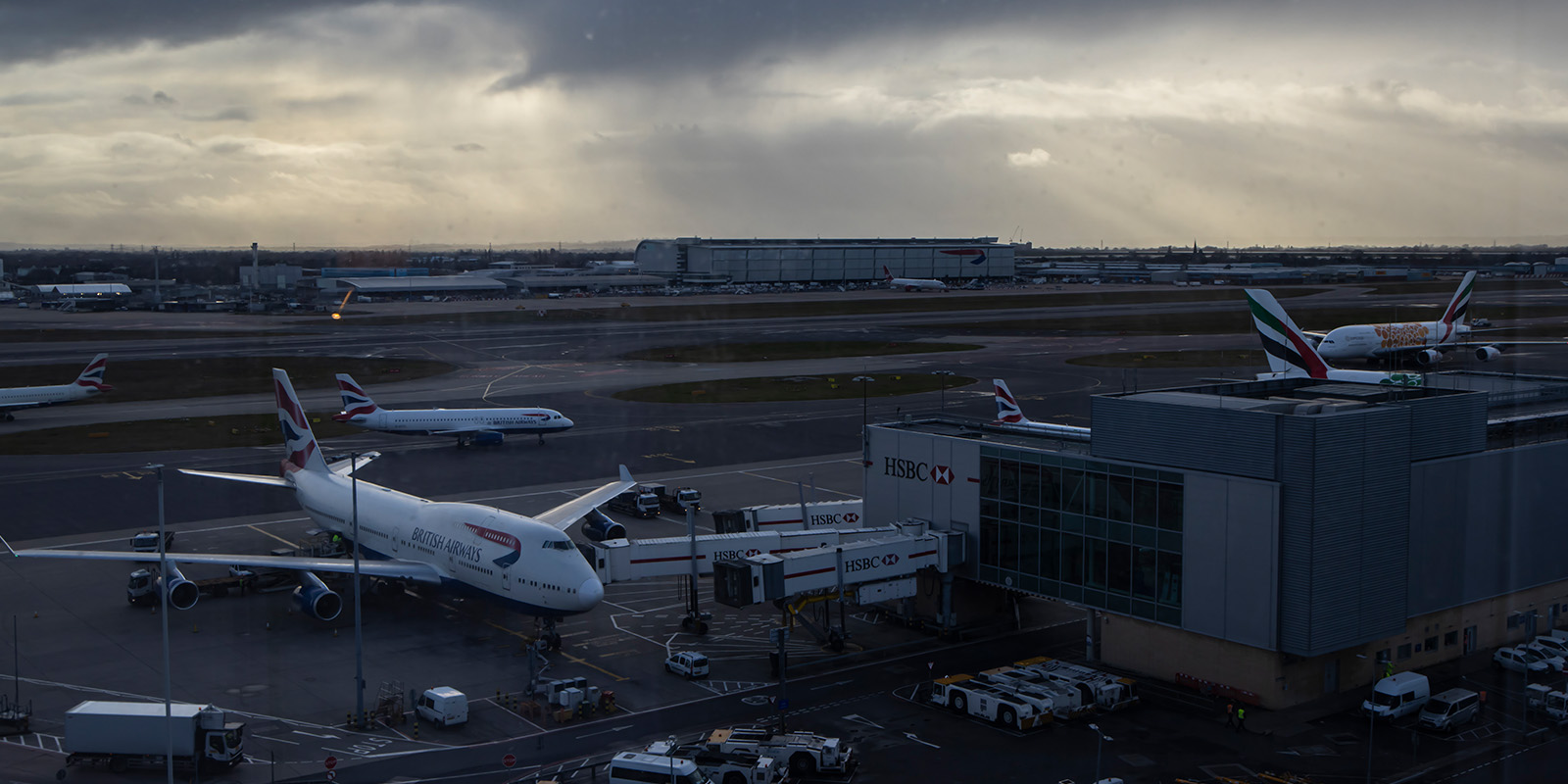 Footsteps from Heathrow Terminal 2&3